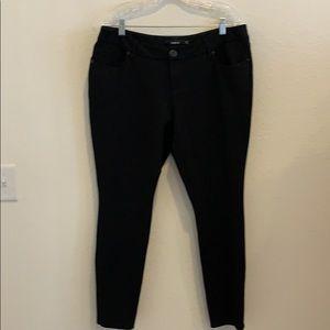 TORRID Studio Signature Ponte Stretch Ankle Jean.